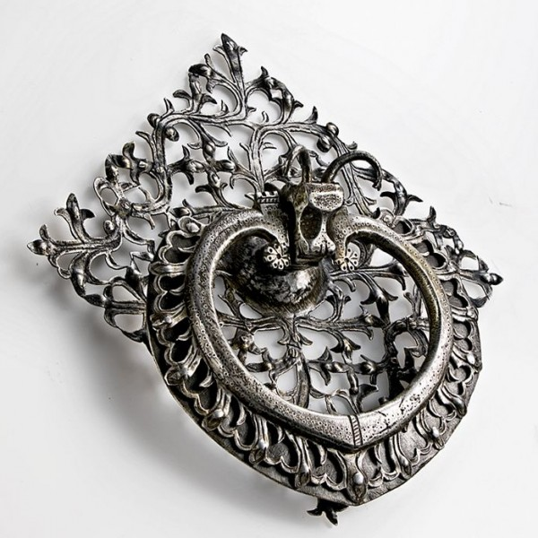 embossed-pierced iron door handle with back plate-Germany 16th century