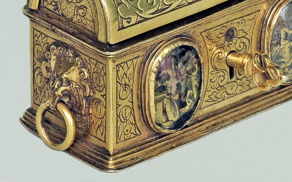 An Outstanding Jewelry Casket