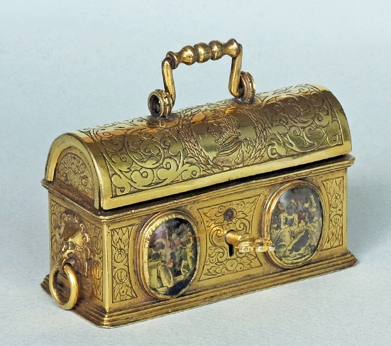 Outstanding-Jewelry-Casket-side-view