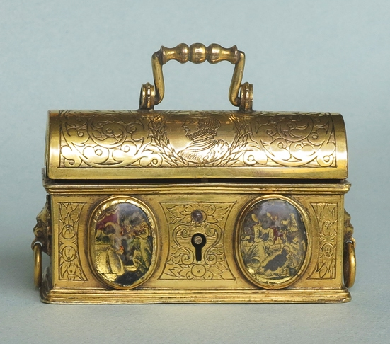Outstanding-Jewelry-Casket