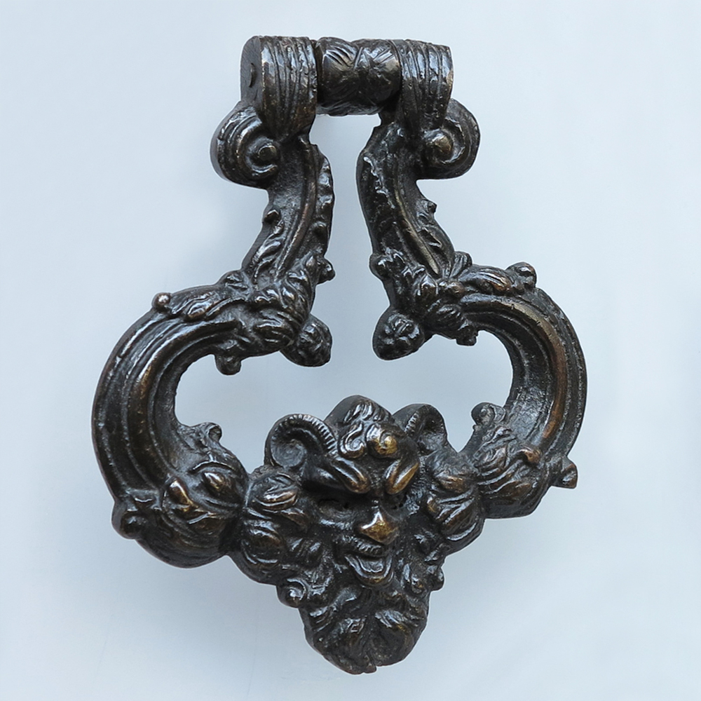 Bronze-doorknockers-detail